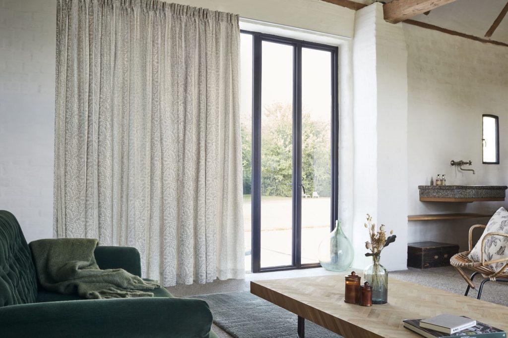 Le rideau : l'élément déco intemporel de vos fenêtres